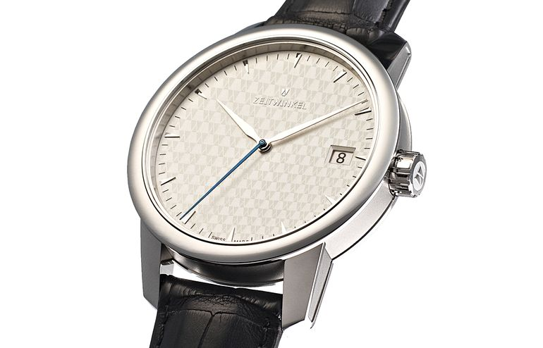 Hand-assembled Swiss watch Zeitwinkel 032° with manufacture caliber ZW0102
